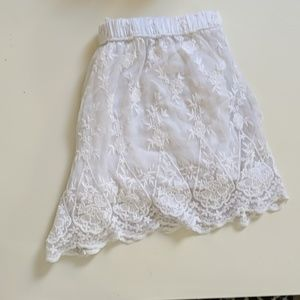 Abercrombie and Fitch white ruffle short